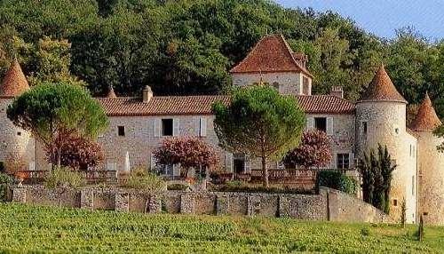 Chateau Caix.jpg
